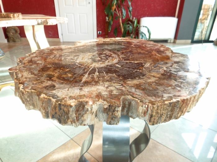 Tavolo legno fossile ovale madamanga for Tavolo ovale legno grezzo